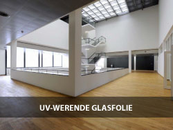UV-WERENDE-GLASFOLIE